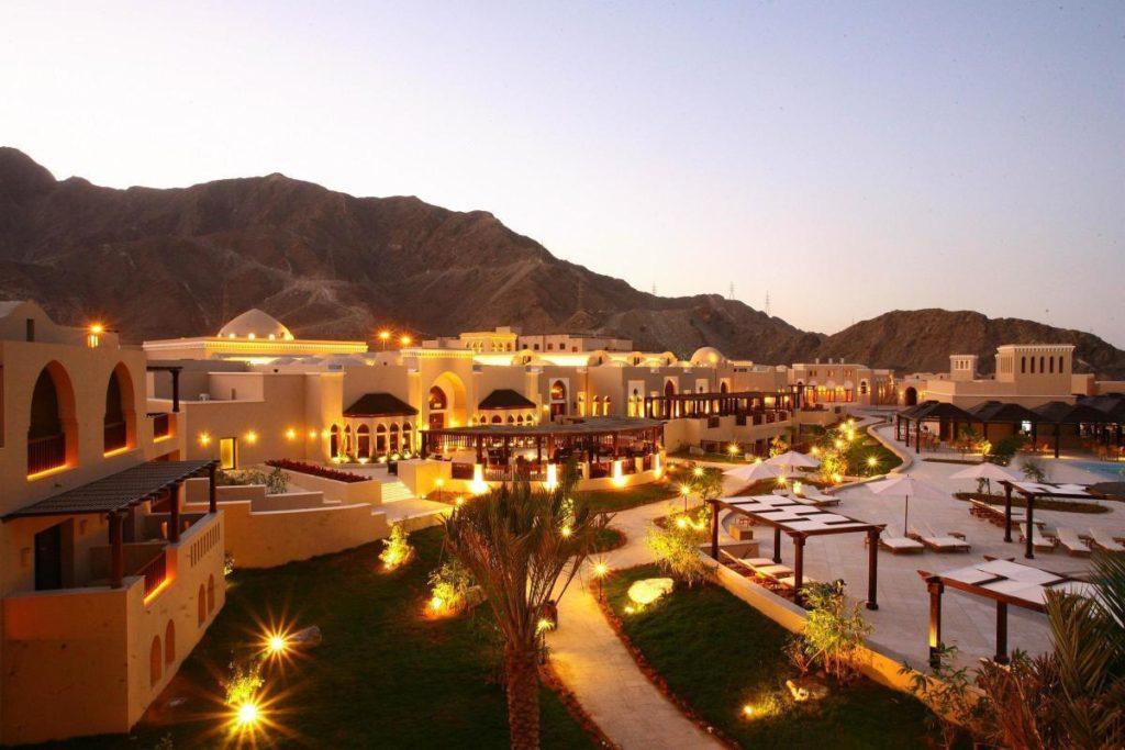 Отели ОАЭ - Iberotel Miramar Al Aqah Beach Resort 5*