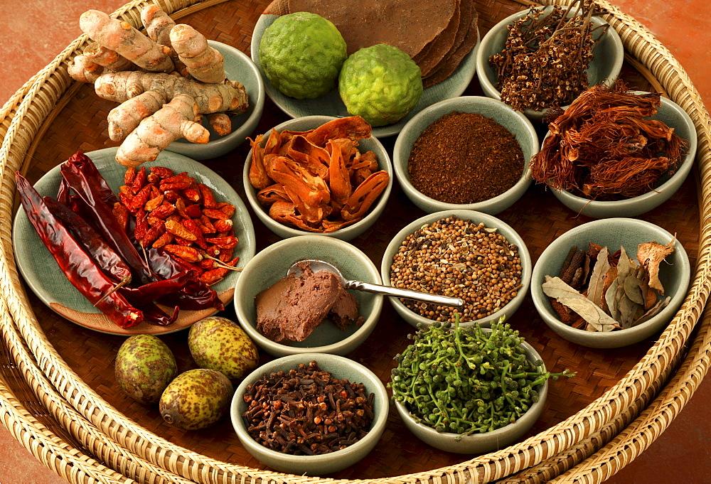 Китайская кухня - В Китае предпочитают много специй и пряностей