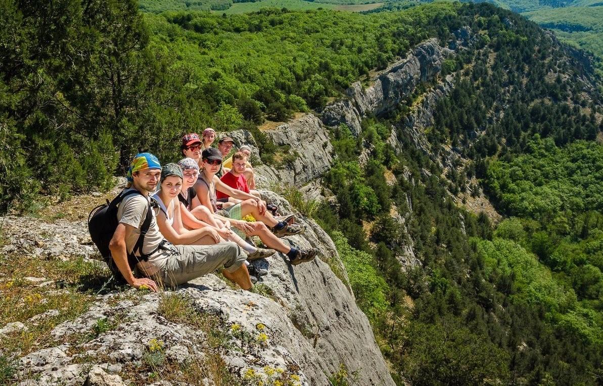 Достопримечательности Крыма - Экскурсия пешком к красной пещере