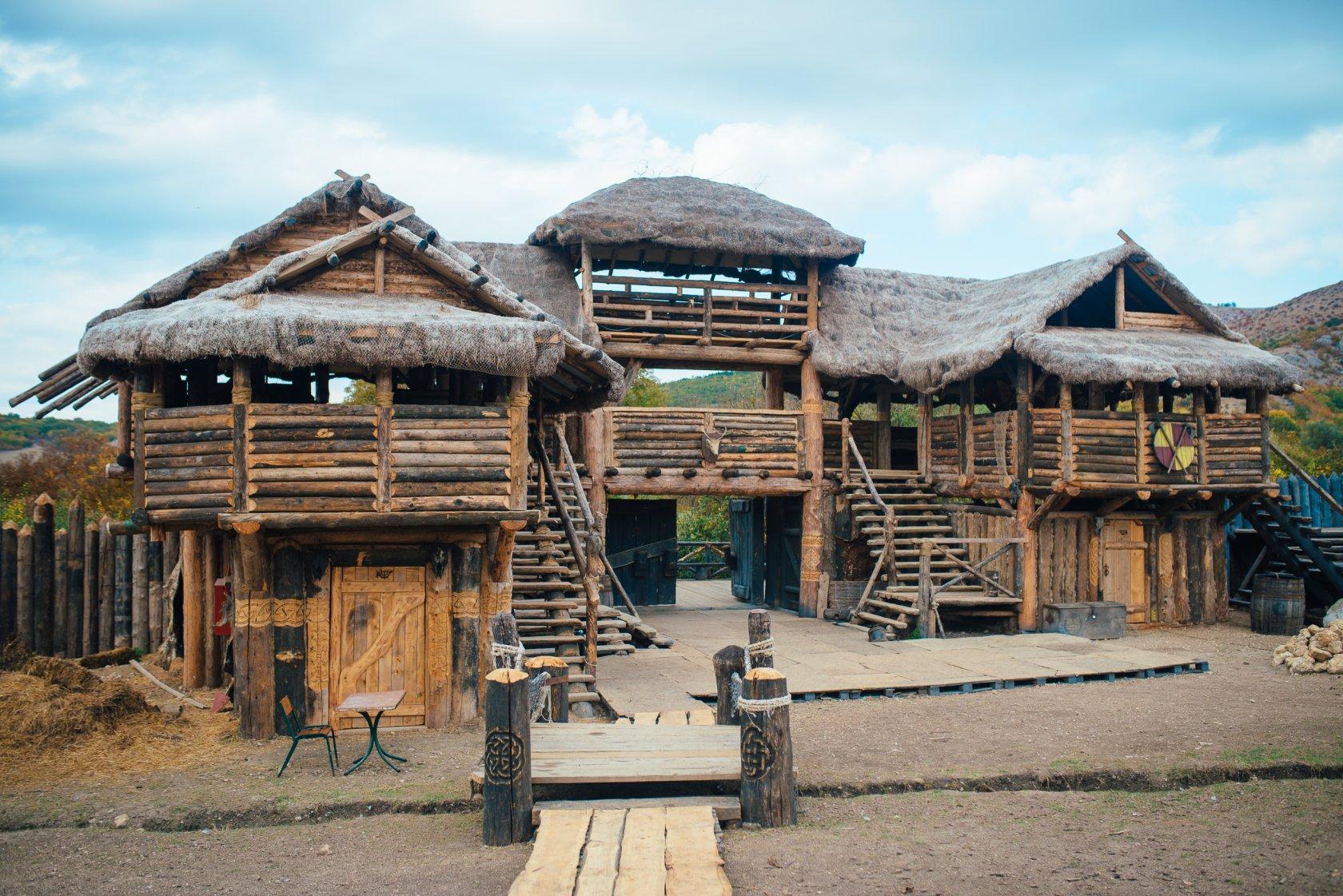 Достопримечательности Крыма - Деревня викингов