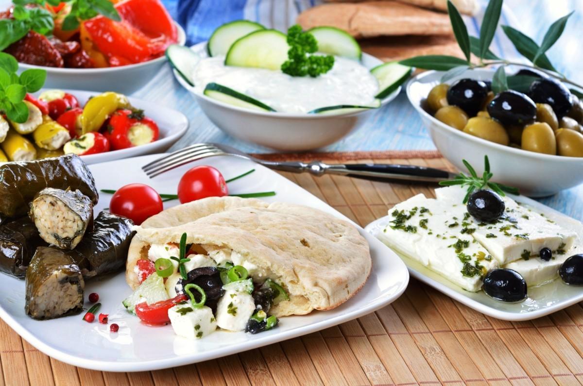 История греческой кухни-много овощей и зелени