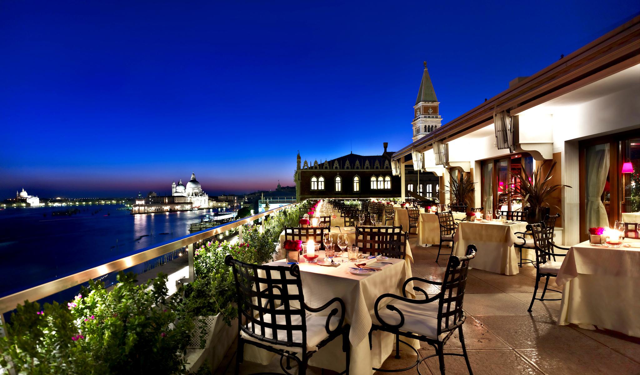 Отдых во Флоренции - Ресторан с видом на море