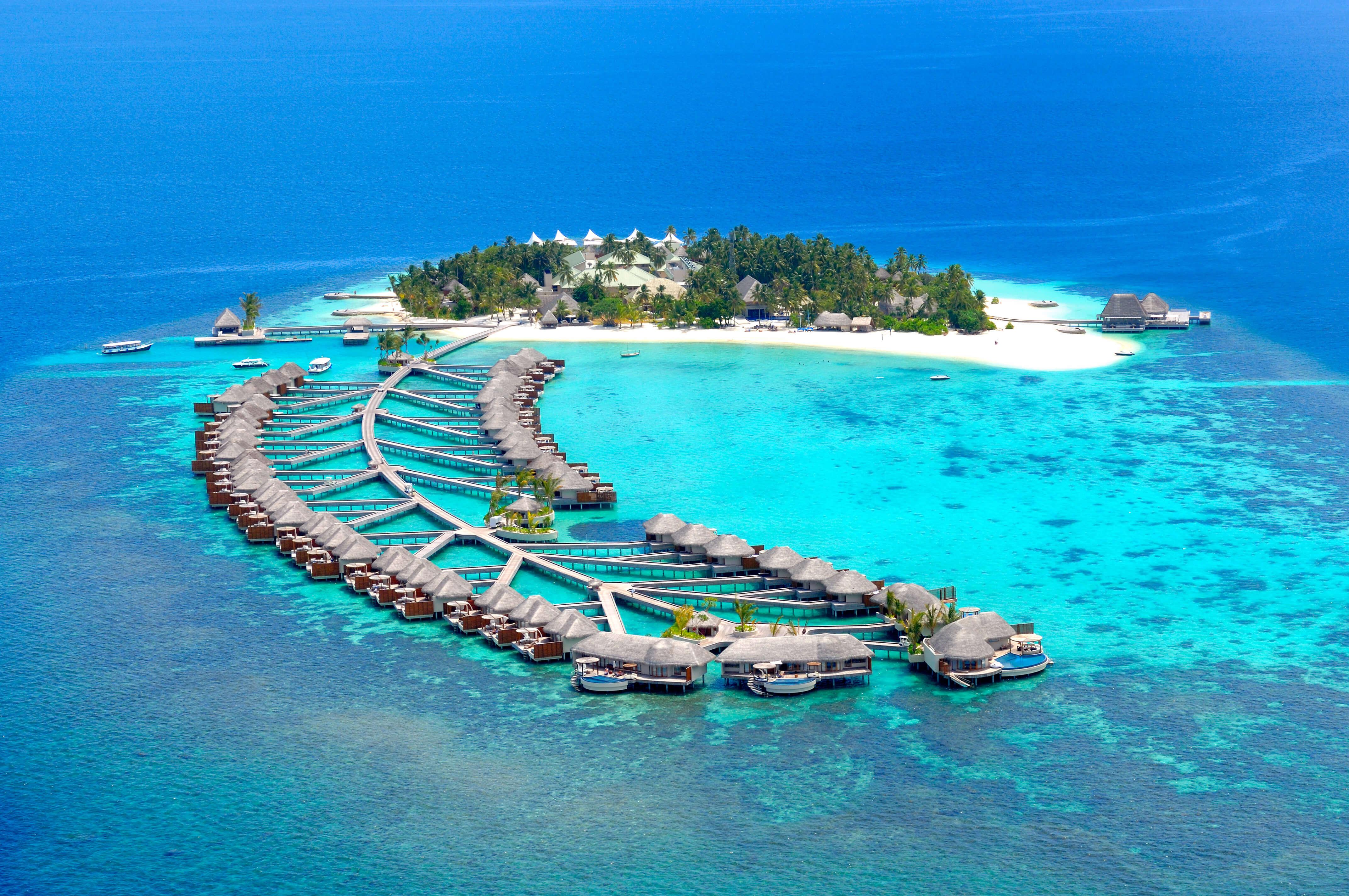 Куда отправиться на отдых осенью 2019 - Водные бунгало на Мальдивах