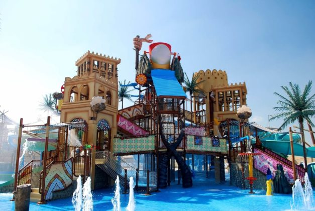 Аквапарк в Абу Даби yas Waterworld