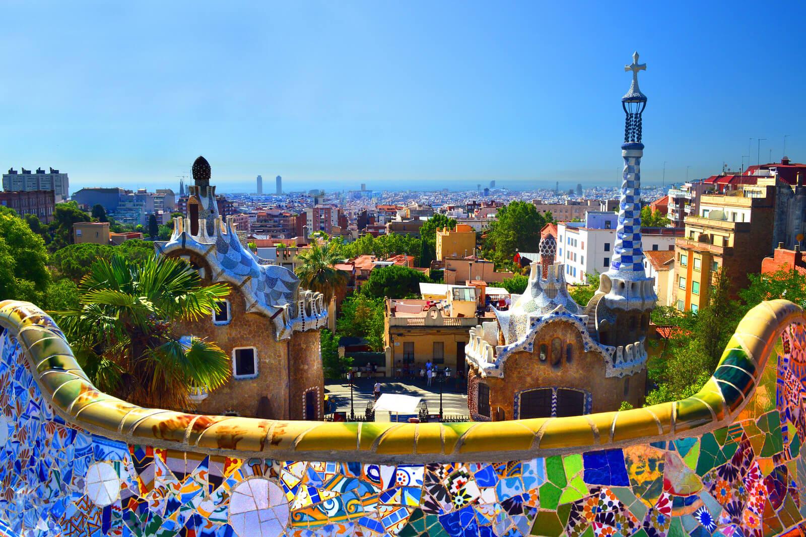Куда отправиться на отдых осенью 2019 - Парк Гуэль Барселона