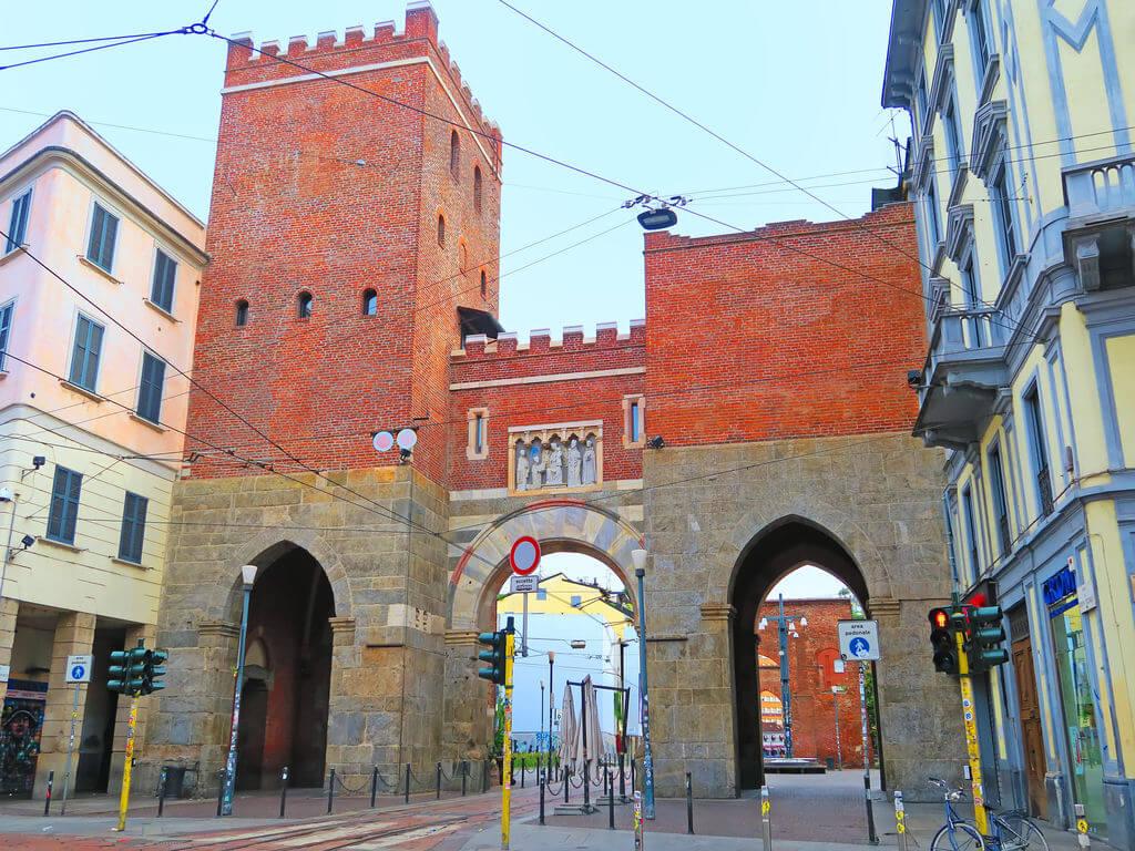 Ворота Тичинезе стал настоящим туристическим аттракционом