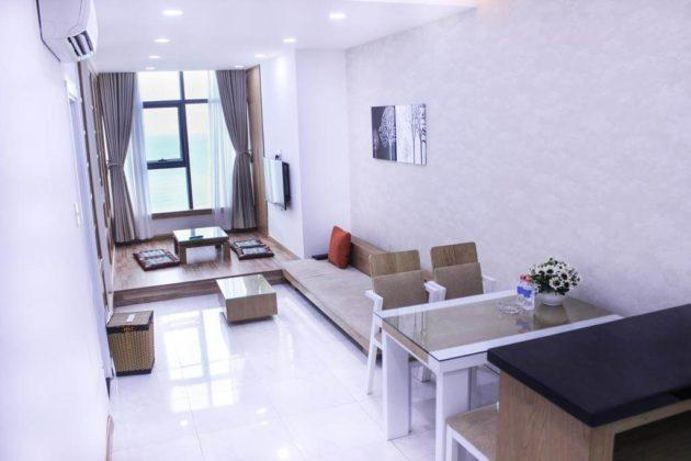 Кухня-гостиная в номере отеля