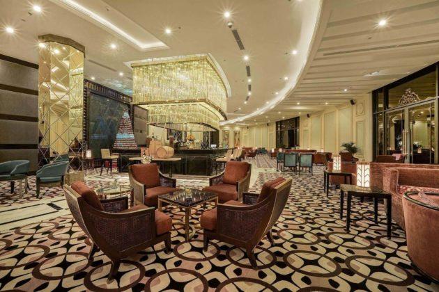 Роскошный ресторан в отеле