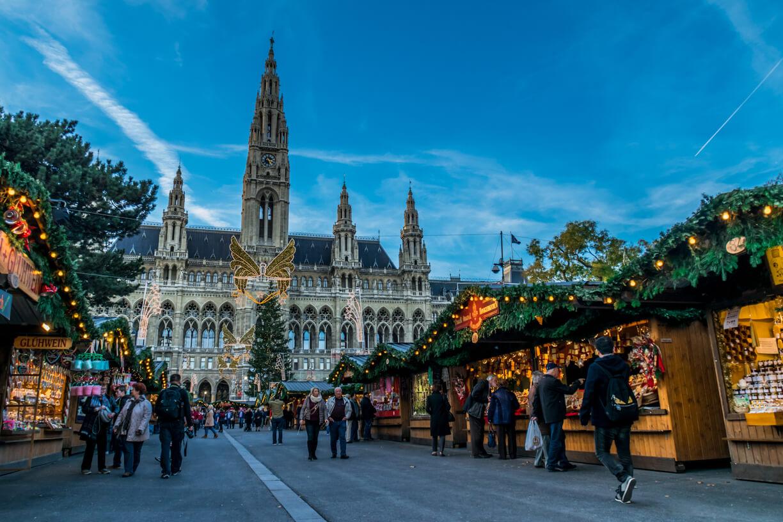 Рождественская ярмарка на площади Фридриха Шмидта в Вене