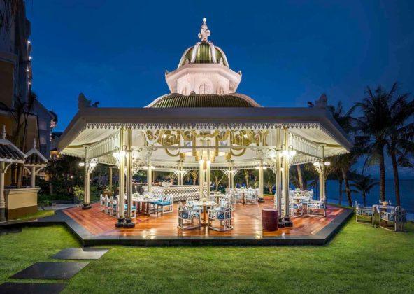 Ресторан под открытым небом