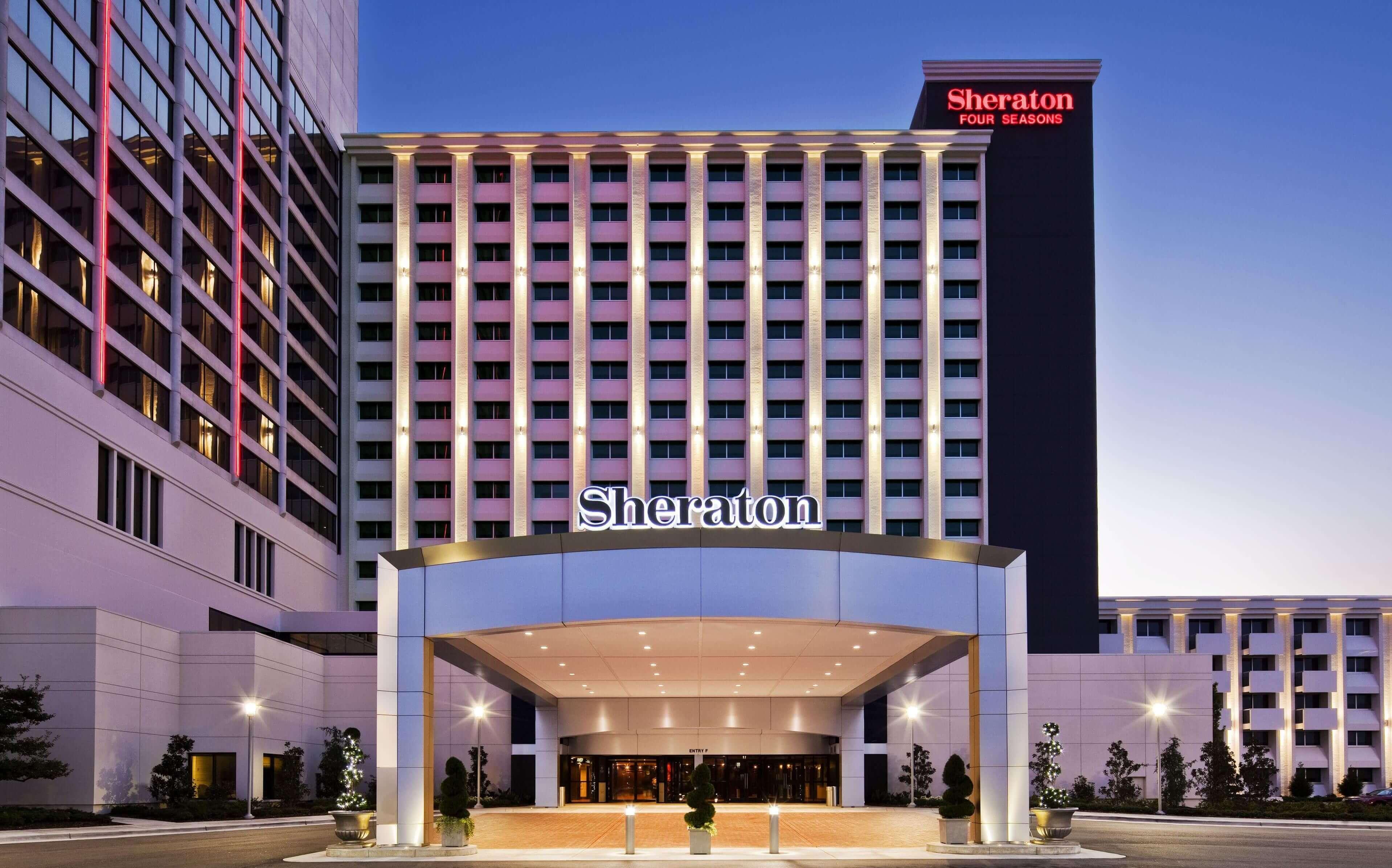 Компаниями Sheraton