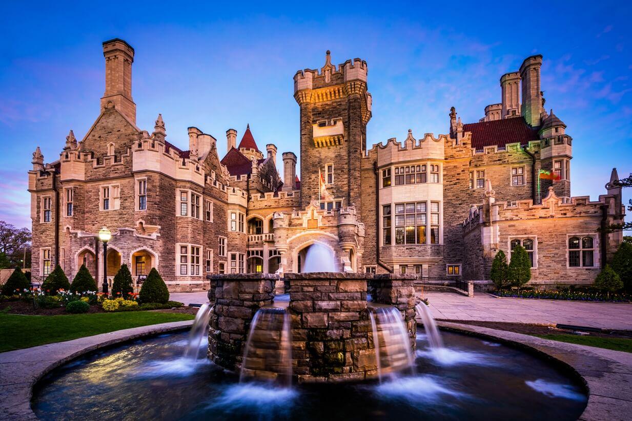Каса Лома - неоготический замок в Торонто - Что посмотреть в Торонто