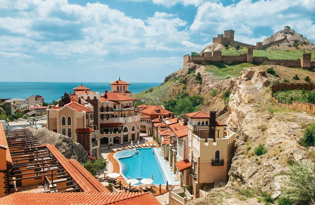 10 лучших отелей и гостиниц Крыма в 2021 году